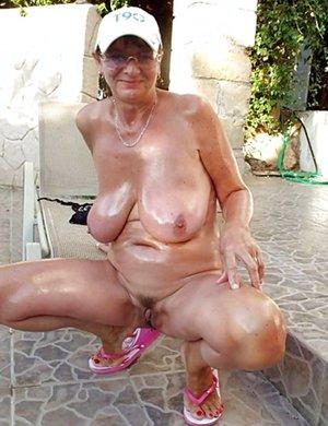 Mature Tits Photos