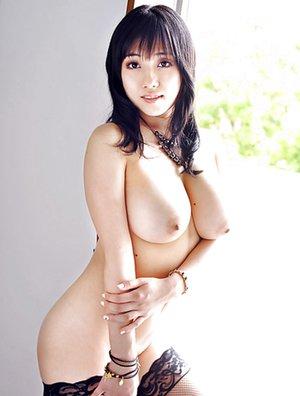 Saggy Tits Photos