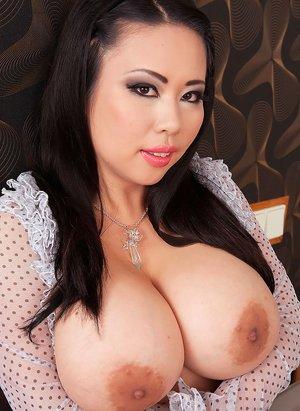 Huge Tits Photos